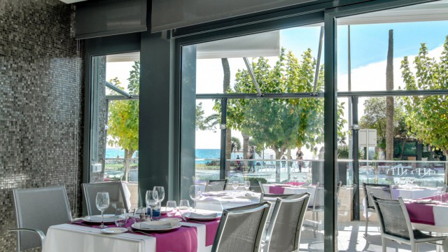 Infinity Restaurant In Sitges With Terrace Calipolis Hotel